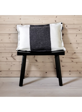 Railo - Natural white with dark grey melange stripe